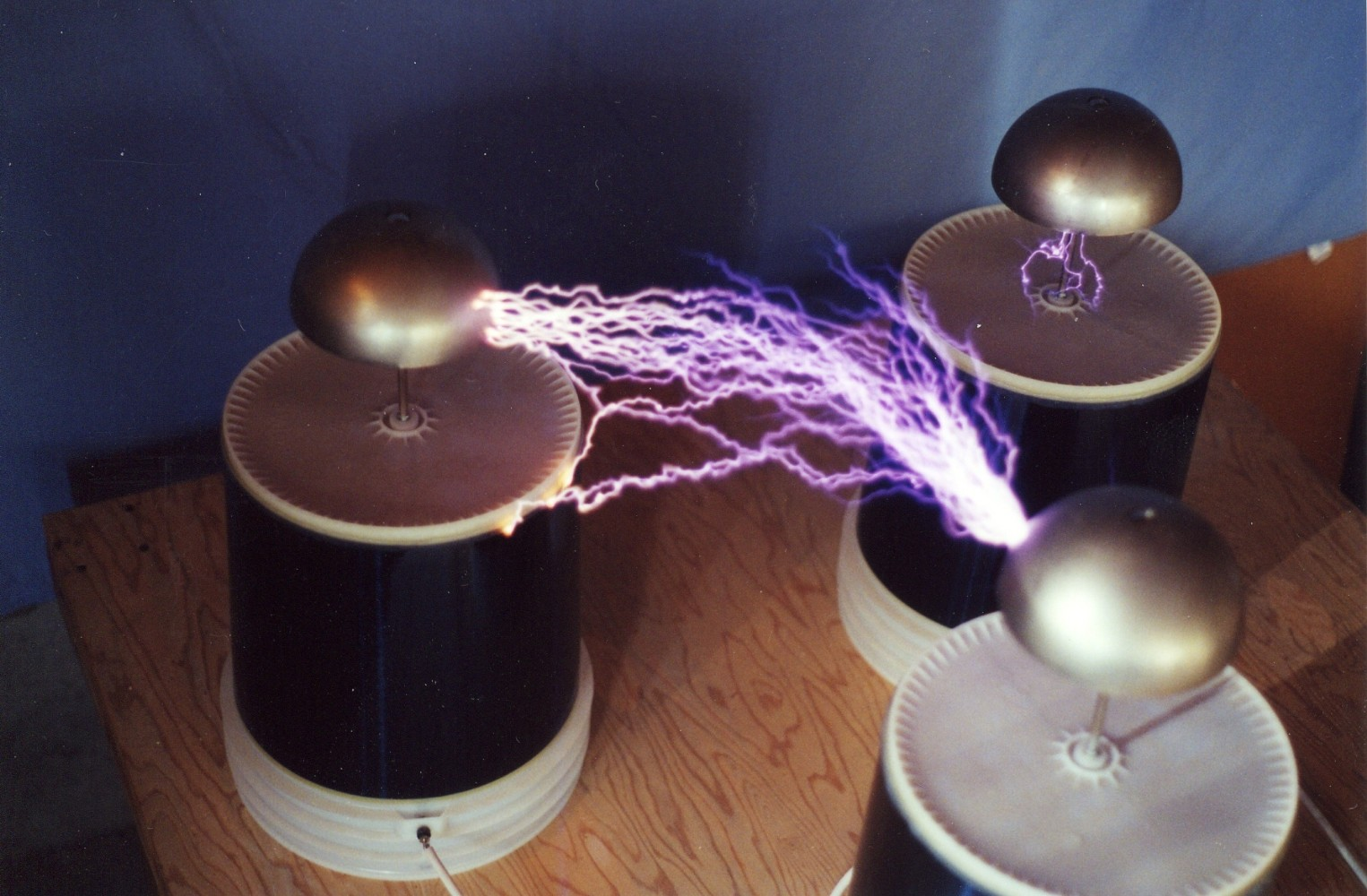 2000 3-phase Tesla coil system with 60 Hz half-wave rectified power - 1